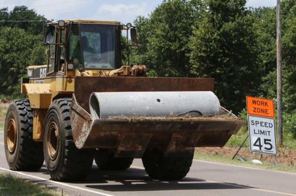 Photo -  The Oklahoma transportation commission awarded two bridge rehabilitation projects Monday that are expected to have a significant impact on traffic in the Oklahoma City area. [Oklahoman File Photo]