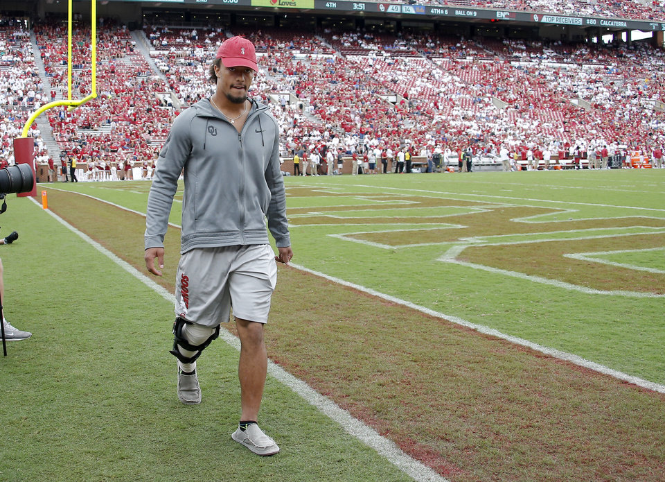 f11f5505f81 Oklahoma running back Rodney Anderson suffered a season-ending knee injury  during the first quarter of Saturday s win over UCLA. In this photo