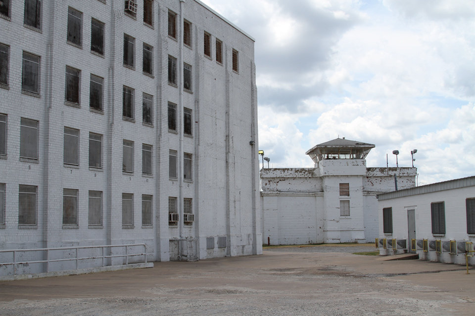 Oklahoma Watch: Oklahoma State Penitentiary locked in