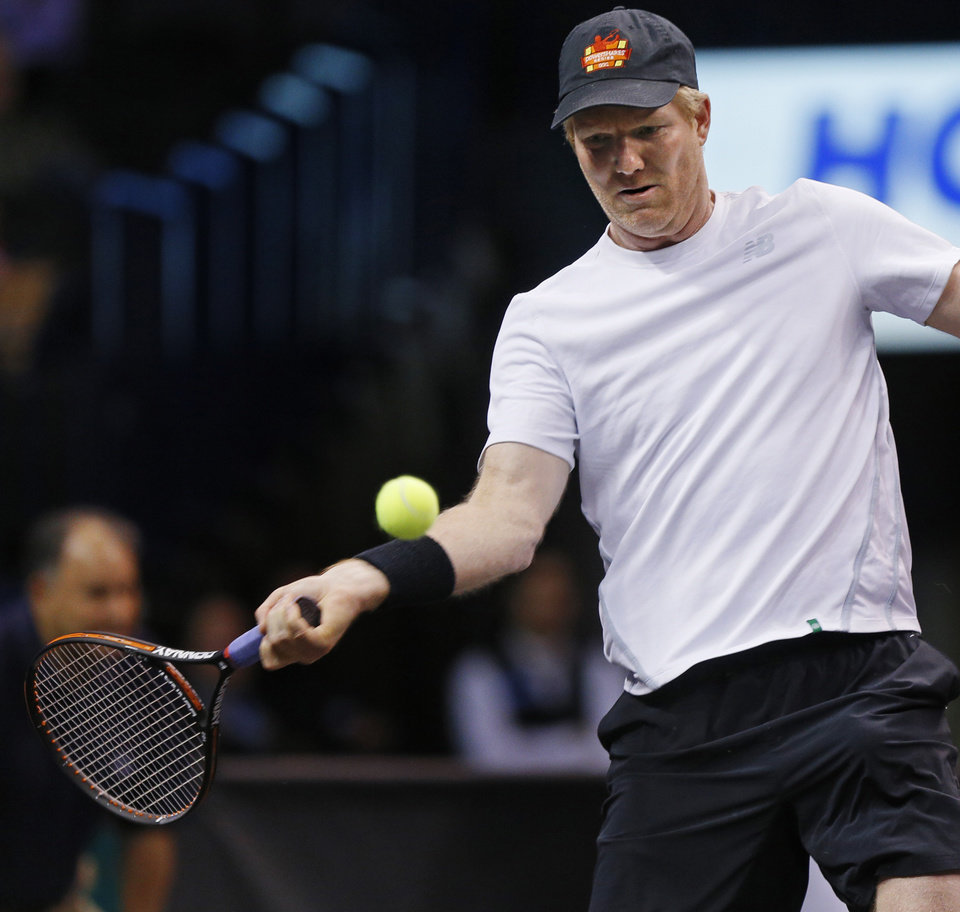 Champions Cup tennis Jim Courier downs John McEnroe in OKC title