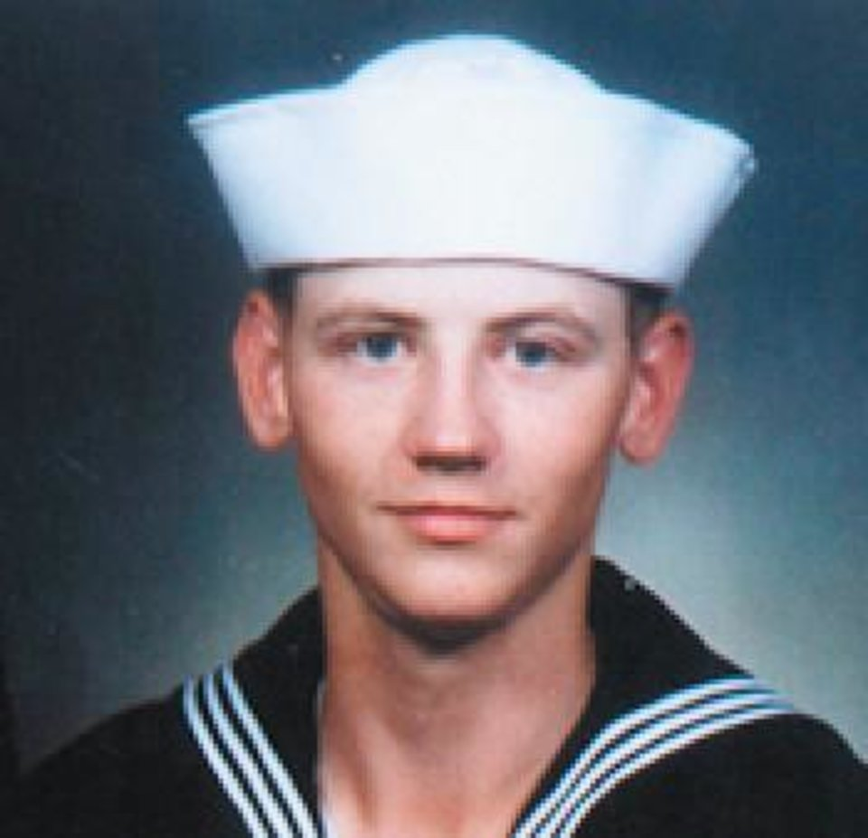 Photo - IRAQ WAR / DEATH / NAVAL PETTY OFFICER / OKLAHOMAN / MILITARY CASUALTY:  Doyle