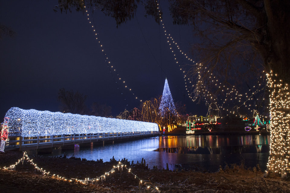 Holiday lights are a bright attraction in Oklahoma | News OK