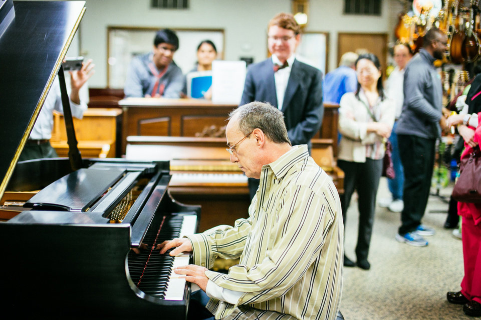 make a wish oklahoma grants ailing teen 39 s request to give piano to teacher. Black Bedroom Furniture Sets. Home Design Ideas
