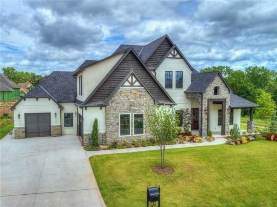 Photo -  Foster Signature Homes built 8301 Ridge Creek Road in Edmond for the 2019 Parade of Homes Spring Festival. [CENTRAL OKLAHOMA HOME BUILDERS ASSOCIATION]