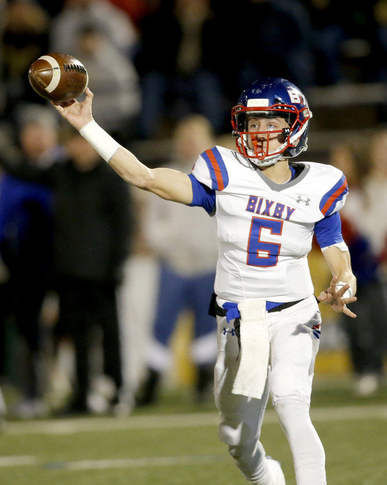 Photo - Bixby's Mason Williams during the 6A II state football championship between Stillwater and Bixby at Wantland Stadium in Edmond, Okla., Friday, Dec. 6, 2019. [Sarah Phipps/The Oklahoman]