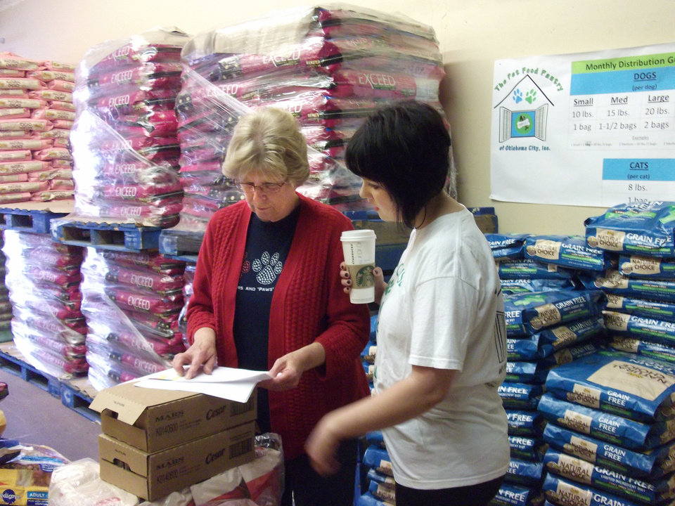 Pet Food Pantry of Oklahoma City helps low-income seniors