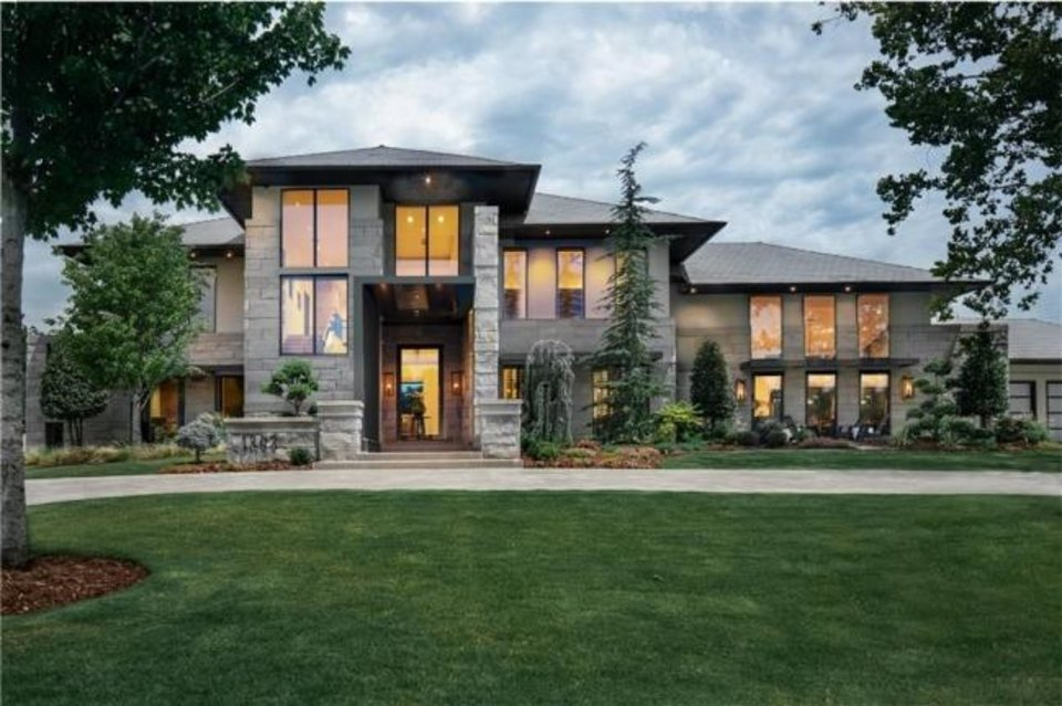 Photo -  The Listing of the Week is at 1303 Bedford Drive in Nichols Hills. [PHOTO PROVIDED]