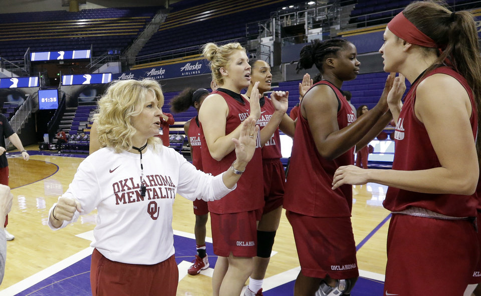 Photo -  Although Oklahoma has faced Washington super scorer Kelsey Plum before, Sooners coach Sherri Coale said her team still has to find a way to stop her on Monday in an NCAA Tournament game in Seattle. [AP PHOTO]