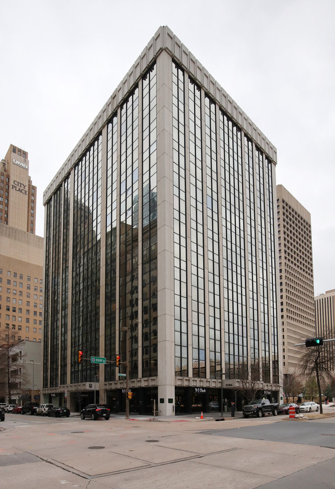 Photo -  101 Park Avenue Building, 101 Park Ave., operated and managed by Wiggin Properties LLC. [PHOTO BY DOUG HOKE, THE OKLAHOMAN]