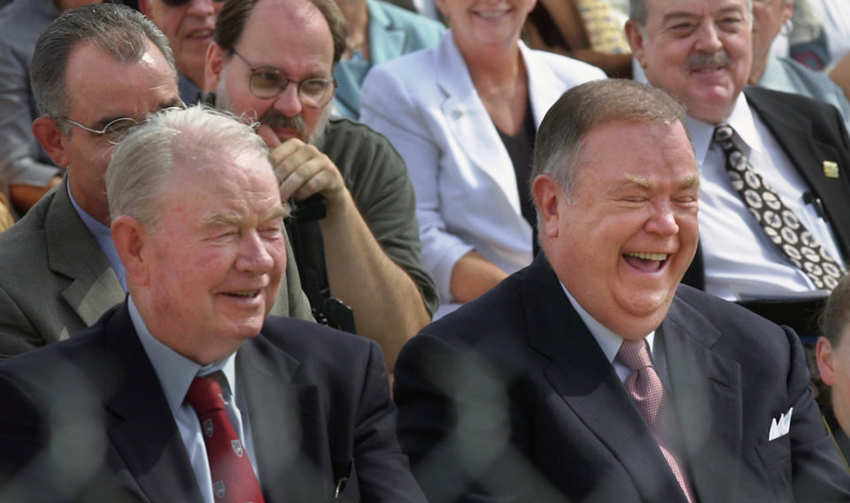 Photo - HISTORIC COLUMN CONSTRUCTION, SIGNING: Former governors Henry Bellmon and David Boren laugh at Sen. Gene Stipe joke about