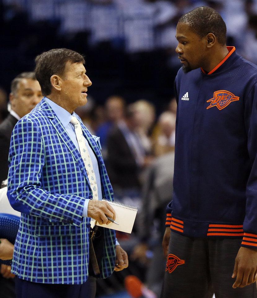 Photo - TNT's Craig Sager talks to Oklahoma City's Kevin Durant (35) before Game 4 of the Western Conference semifinals between the Oklahoma City Thunder and the San Antonio Spurs in the NBA playoffs at Chesapeake Energy Arena in Oklahoma City, Sunday, May 8, 2016. Photo by Nate Billings, The Oklahoman