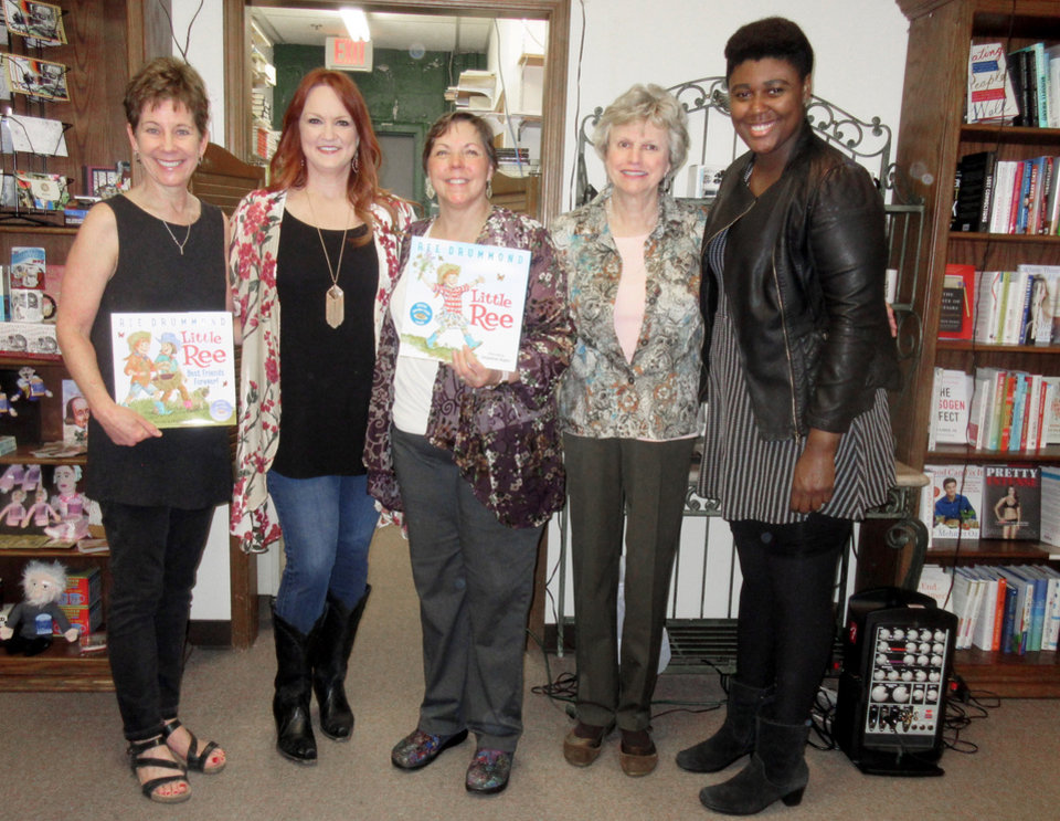Photo - Jean Northrup, Ree Drummond, Nan Hight, Julie Hovis, Whitney Lynn. PHOTO BY HELEN FORD WALLACE, THE OKLAHOMAN