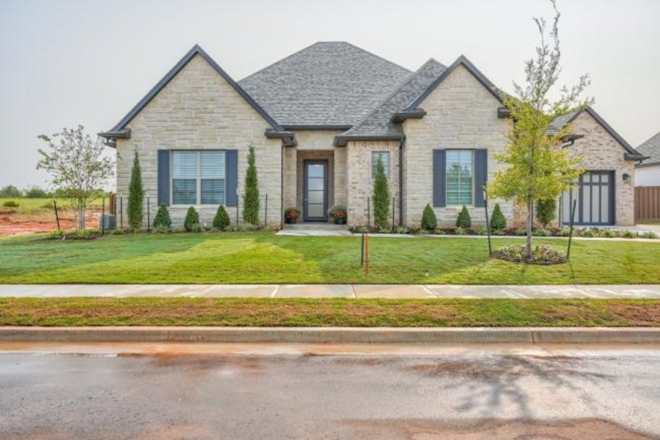 Photo -  French Construction's entry at 3016 Gold Finch, Fall Brook addition, Edmond, won Best Overall in the $550,000-$599,999 division of the Parade of Homes Fall Classic. [PROVIDED/CENTRAL OKLAHOMA HOME BUILDERS ASSOCIATION]