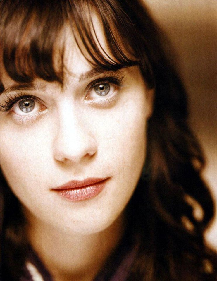 Photo -  Zooey Deschanel wouldn't say no to a Cheever's Cafe Ke-Okie Coffee.