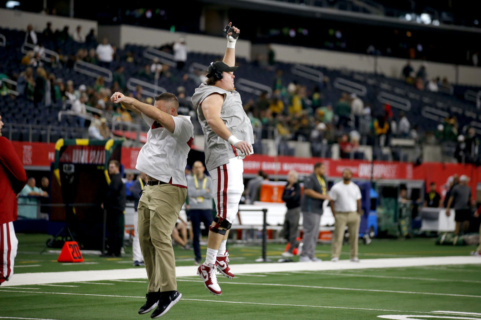 Photo - Oklahoma's Creed Humphrey warms up before the Big 12 Championship Game between the University of Oklahoma Sooners (OU) and the Baylor University Bears at AT&T Stadium in Arlington, Texas, Saturday, Dec. 7, 2019. [Bryan Terry/The Oklahoman]