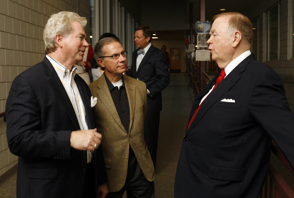 Photo - OU: Rich Taylor, Marc Nuttle and president David Boren attend a University of Oklahoma Weitzenhoffer Family College of Fine Arts fundraiser in Catlett Music Center in Norman, Okla. on Friday, April 24, 2009.   Photo by Steve Sisney, The Oklahoman ORG XMIT: KOD