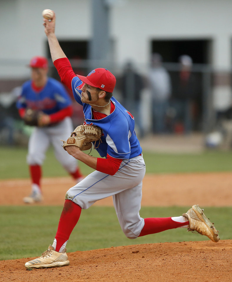 Photo - Chandler's Hutch Underwood pitches against Washington during a Class 3A state baseball game at Edmond Memorial in Edmond, Okla., Thursday, May 9, 2019. [Bryan Terry/The Oklahoman]