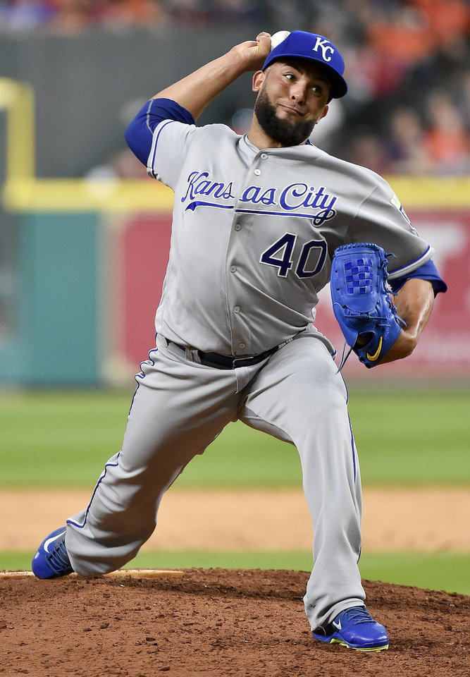 Vargas s first win since 15 Royals beat Astros