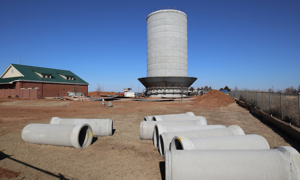 Photo -  Construction is underway for the new northwest water tower in Edmond at Coffee Creek Road and Broadway. It has a capacity of 2 million gallons of water, and will be the largest water tower in Edmond. [PHOTO BY DOUG HOKE, THE OKLAHOMAN]