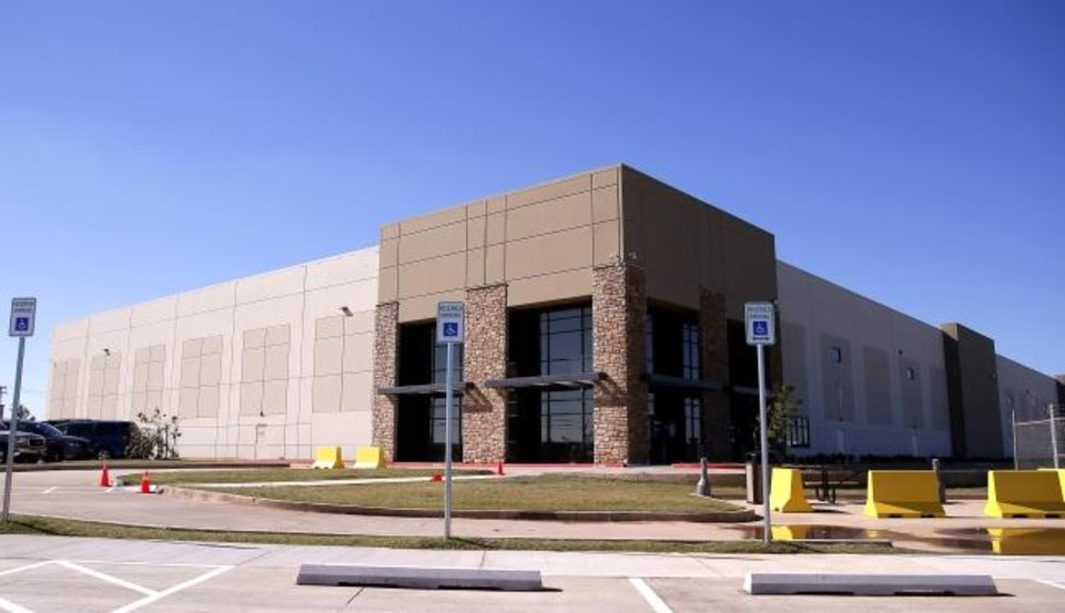 Photo -  Amazon took occupancy of a leased 120,000-square-foot property at 6101 SW 44, ordered goods' last stop before reaching consumers, on Sept. 21. [SARAH PHIPPS/THE OKLAHOMAN]