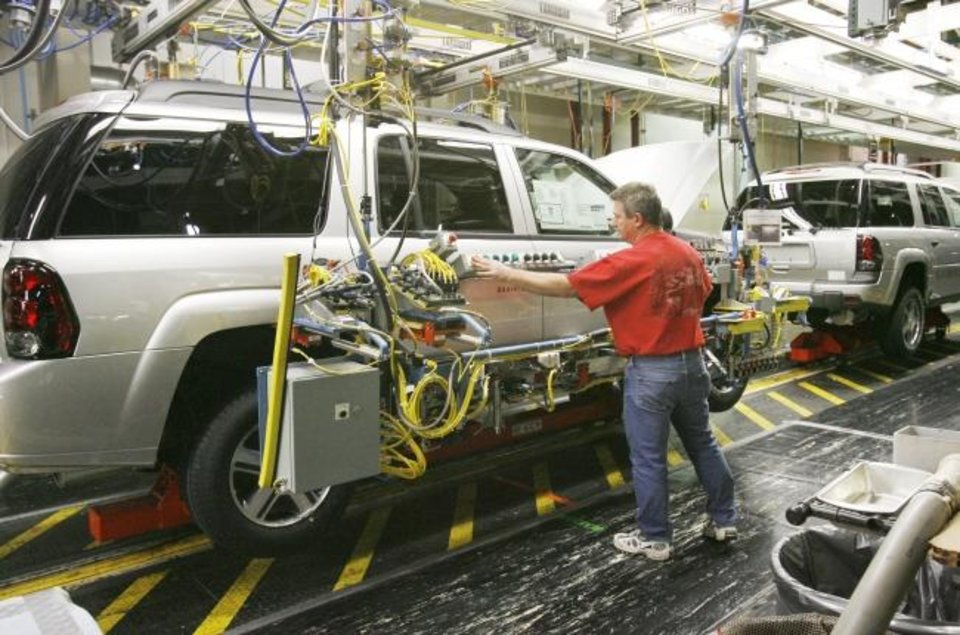 Photo -  The Accelorator Program aims to lure auto manufacturers to the state, with the most recent plant in the state closing in 2005. [THE OKLAHOMAN ARCHIVES]