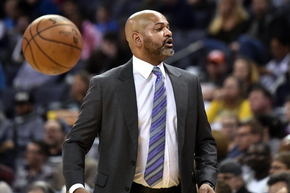 Photo - Memphis Grizzlies coach J.B. Bickerstaff calls to players during the first half of the team's NBA basketball game against the Oklahoma City Thunder on Monday, March 25, 2019, in Memphis, Tenn. (AP Photo/Brandon Dill)