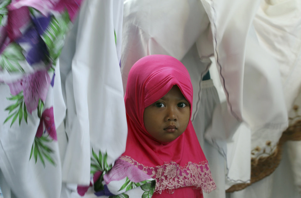 denpasar muslim girl personals Meet thousands of local denpasar singles, as the worlds largest dating site we make dating in denpasar easy plentyoffish is 100% free, unlike paid dating sites you will get more interest and responses here than all paid dating sites combined over 1,500,000 daters login every day to plentyoffish .