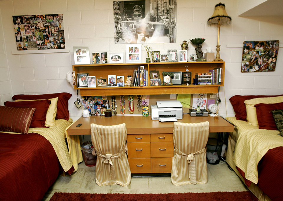UCO DORMITORY Samantha Menh And Taylor Upsons Dorm Room In West Hall At The University Of Central Oklahoma On Monday Sept 10 2007
