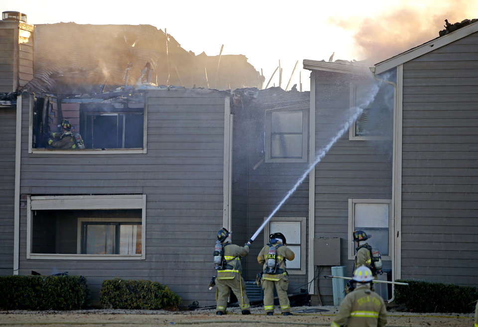 Firefighters respond to apartment fire in OKC Thursday