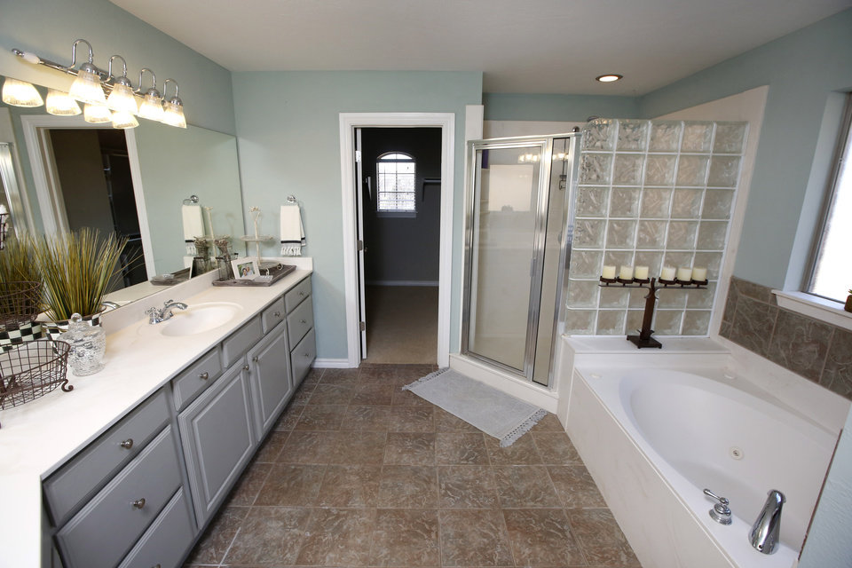 Nice Photo View of master bath at Ridgeview Drive in Edmond listed for