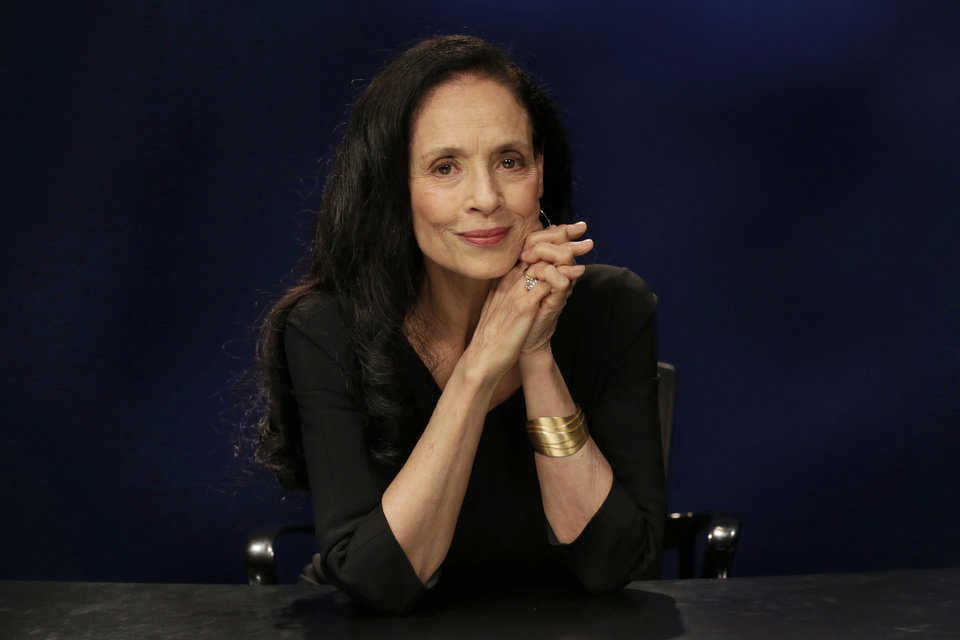 sonia braga height and weight