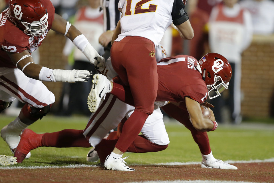 Photo - Oklahoma's Jalen Hurts (1) scores a touchdown during an NCAA football game between the University of Oklahoma Sooners (OU) and the Iowa State University Cyclones at Gaylord Family-Oklahoma Memorial Stadium in Norman, Okla., Saturday, Nov. 9, 2019. [Bryan Terry/The Oklahoman]