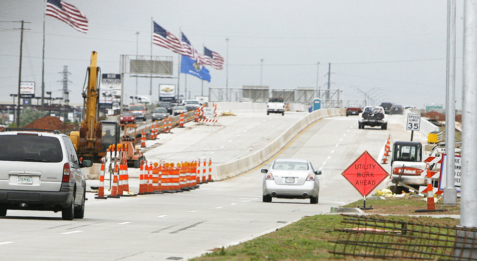 Photo - Some of the inconvenience of the Broadway Extension work has ended.  PHOTO BY PAUL HELLSTERN, THE OKLAHOMAN