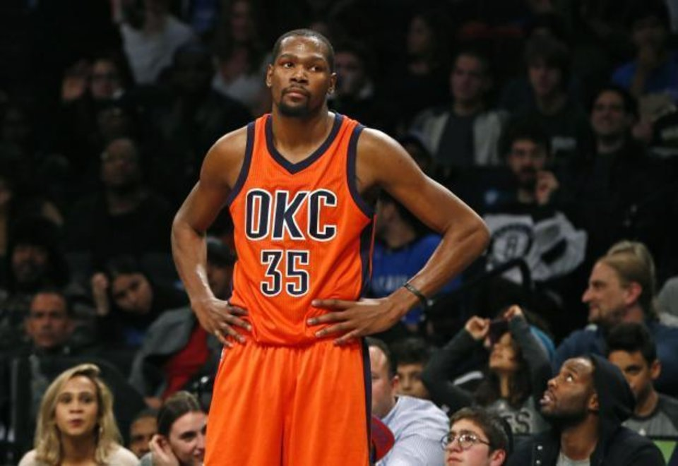 Photo - The New York media asked Thunder star Kevin Durant about free agency on Tuesday morning. (AP Photo)