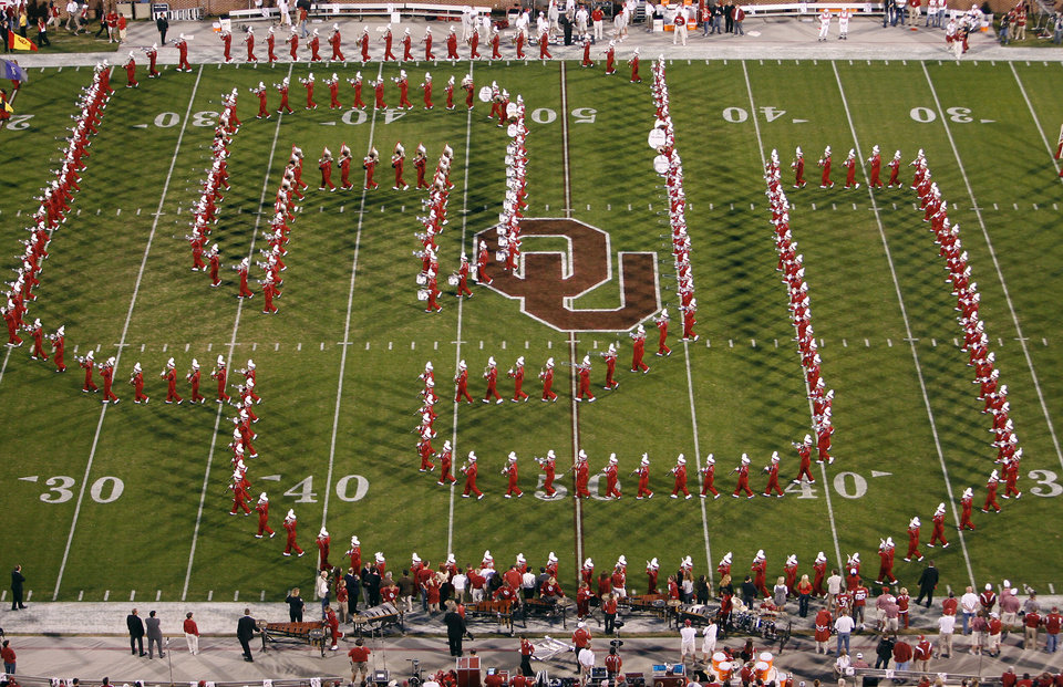 Photo - The Pride of Oklahoma marching band plays before the start of the first half of the college football game between the University of Oklahoma Sooners (OU) and the University of Nebraska Huskers (NU) at the Gaylord Family -- Oklahoma Memorial Stadium, on Saturday, Nov. 1, 2008, in Norman, Okla.   BY STEVE SISNEY, THE OKLAHOMAN  ORG XMIT: KOD