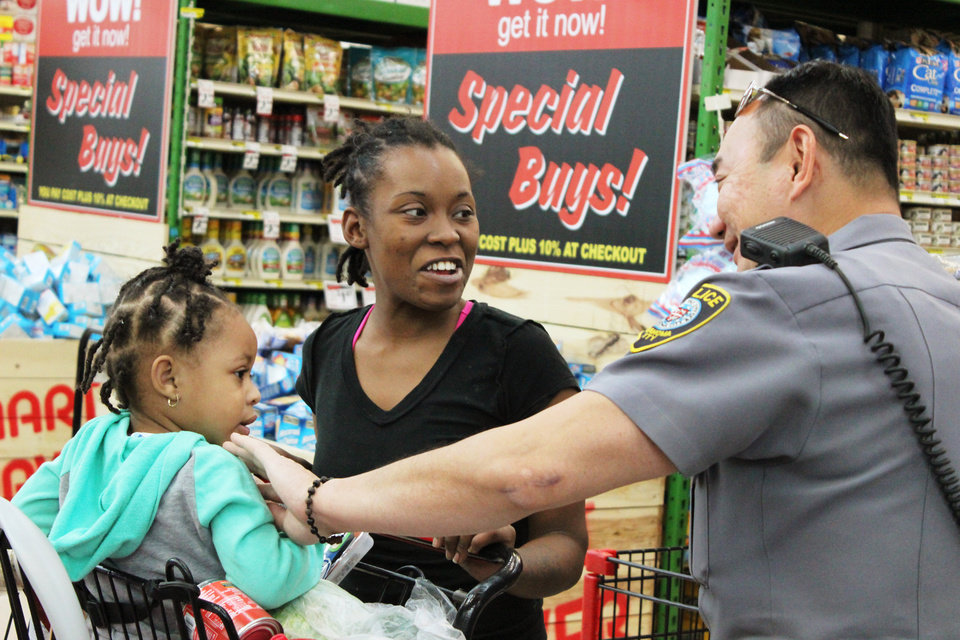 Oklahoma City Police Surprise Shoppers With Thanksgiving