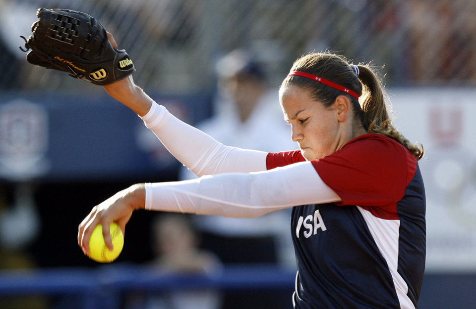 Photo - U.S., UNITED STATES: USA's Cat Osterman (8) pitches during the World Cup of Softball game between USA and China at ASA Hall of Fame Stadium in Oklahoma City, July 13, 2007. USA won 8-0 in five innings. By Nate Billings, The Oklahoman ORG XMIT: KOD
