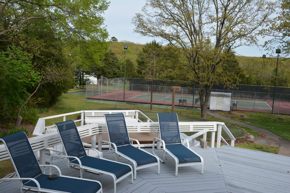 Photo - Amenities at the NewView Oklahoma/Globe Life Lodge include a private tennis court. [NEWVIEW OKLAHOMA]