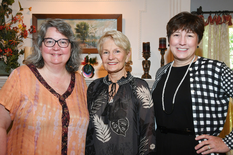 Photo - Catherine Armitage, Sheila Porter, Louise Valuck. FRAN KOZAKOWSKI PHOTO
