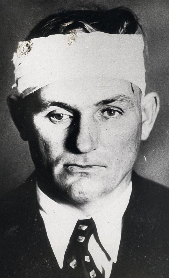 Photo - Percy Boyd, Chief of Police Commerce, Okla., was wounded and kidnapped by Clyde Barrow near Miami, Okla. ORG XMIT: KOD