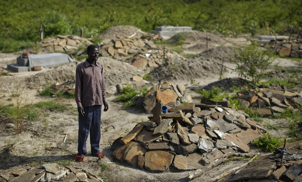 South Sudanese refugees grapple with honoring their dead ...