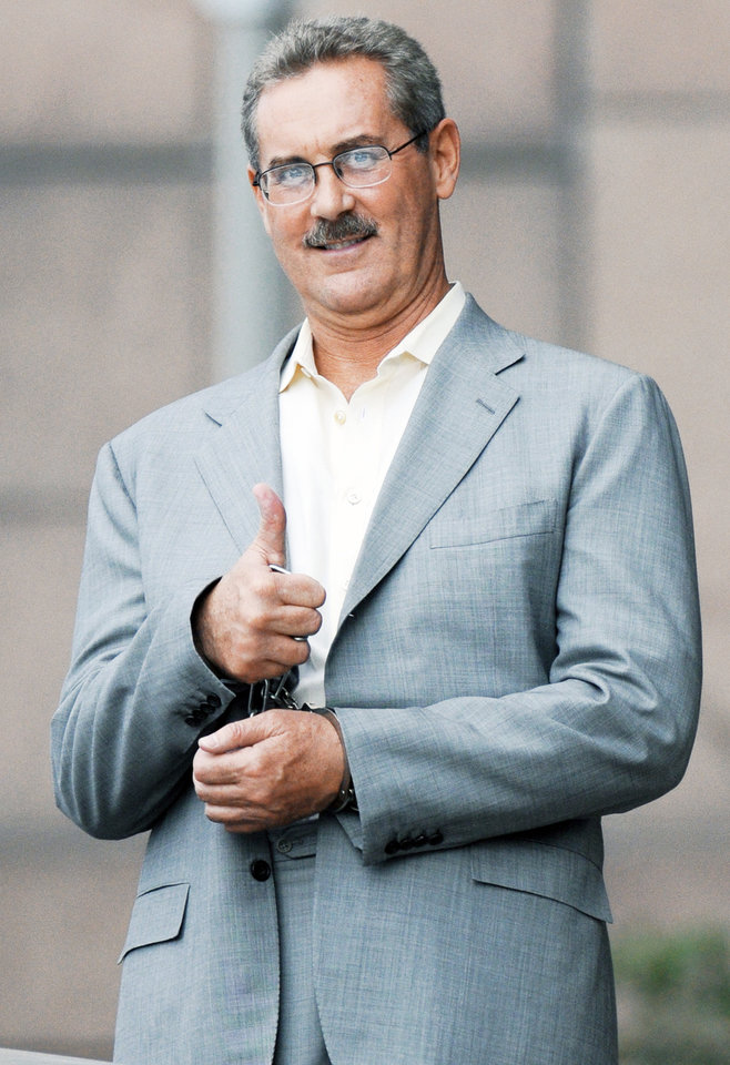 case study r allen stanford The case study examines the massive ponzi scheme run by allen stanford (allen), one time honored with the sir title by the antigua government and ranked the 239th richest person in america by.