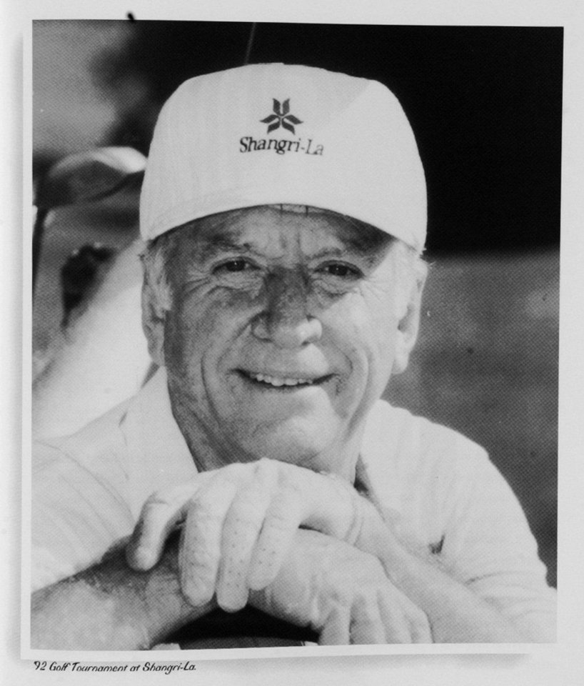Photo - Mickey Mantle is shown here during his charity golf tournament at the Shangri-La Resort in 1992.