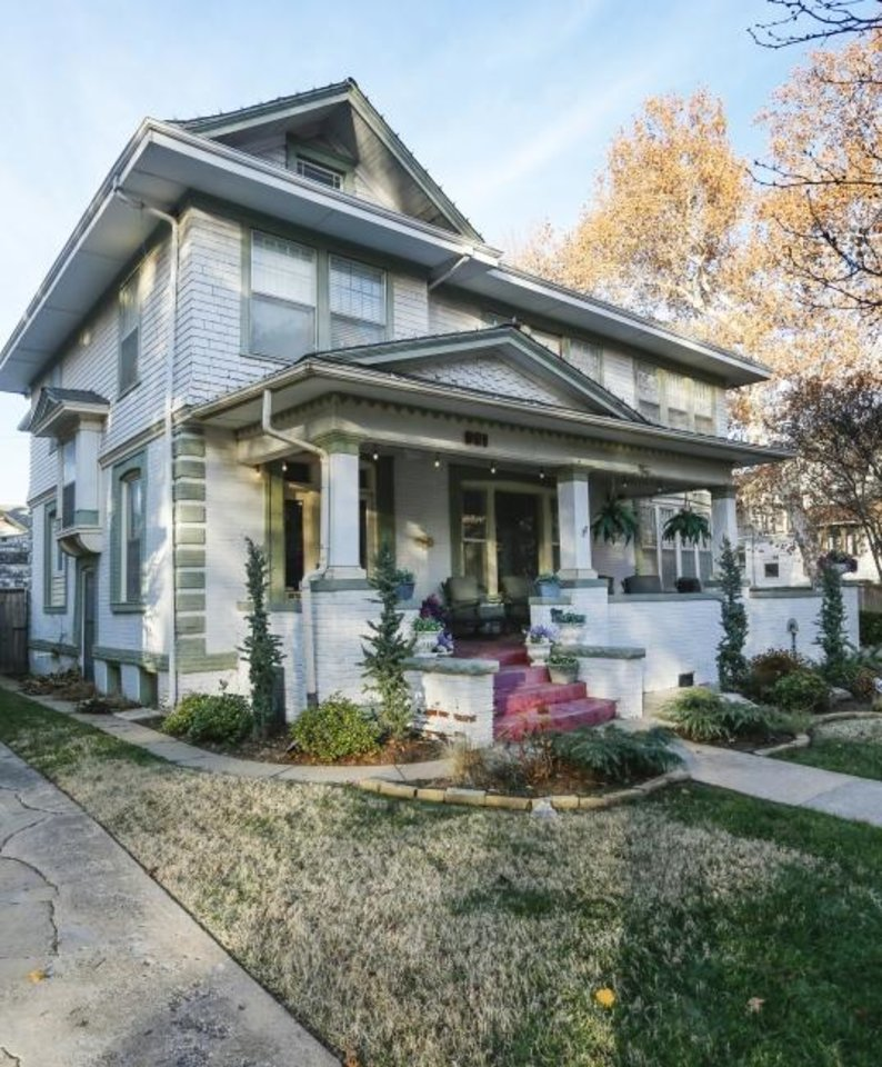 Photo -  Lauren Warkentine's home at 901 NW 16, built 1906-1907 is one of several stops on the Mesta Park Holiday Home Tour next weekend. [NATE BILLINGS./THE OKLAHOMAN]