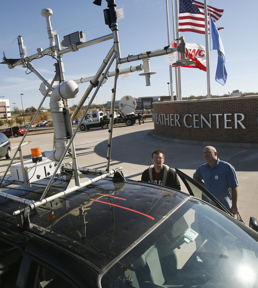 Photo - Weather enthusiasts got to look at the latest technology such as this NOAA/Storm Prediction Center vehicle, during the annual National Weather Festival at the National Weather Center in Norman, OK, Saturday, Nov. 7, 2009. By Paul Hellstern, The Oklahoman ORG XMIT: KOD