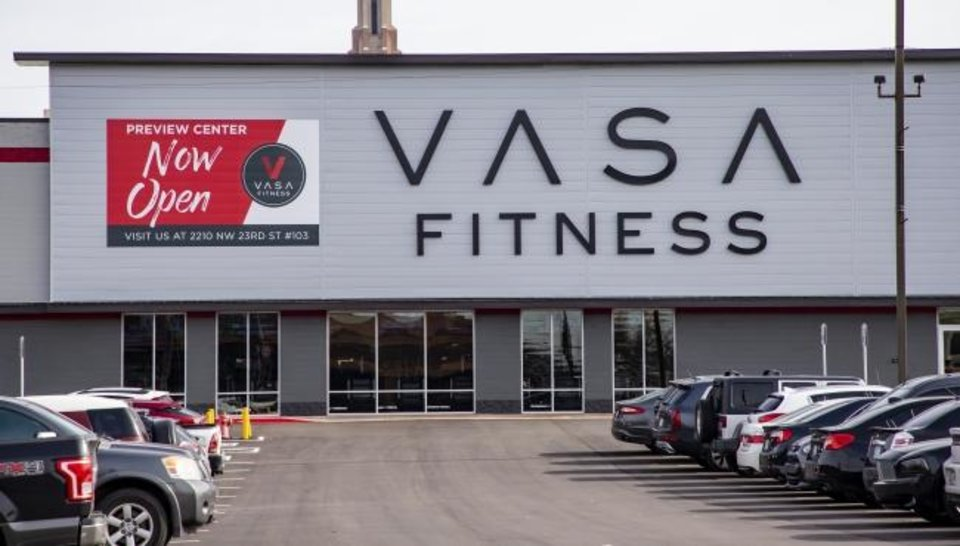 Photo -  Vasa Fitness, 2500 N Pennsylvania Ave., was among the fitness centers opening here last year helping keep retail vacancy reined in. [CHRIS LANDSBERGER/THE OKLAHOMAN]
