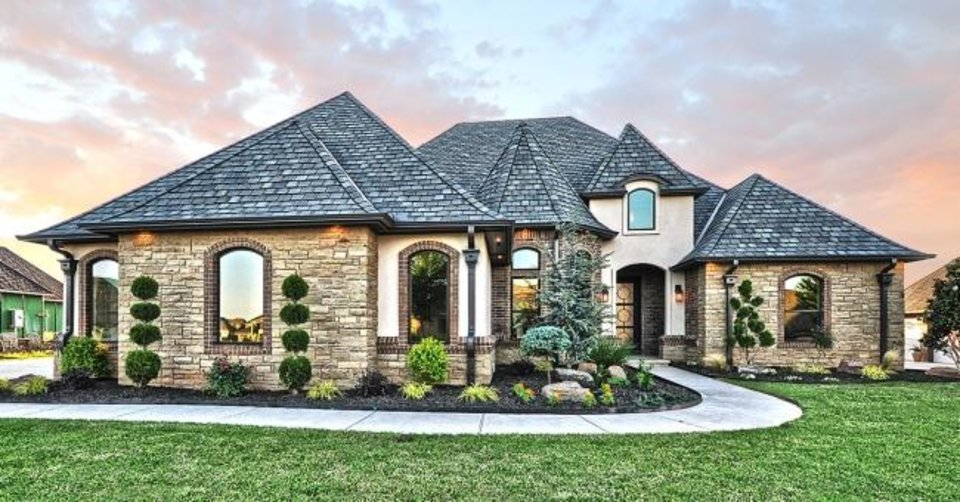 Photo -  Dreamworks Construction's entry at 8325 NW 134 Terrace, Cobblestone III addition, Northwest, won Best Overall in the $790,000-$859,999 division of the Parade of Homes Fall Classic. [PROVIDED/CENTRAL OKLAHOMA HOME BUILDERS ASSOCIATION]