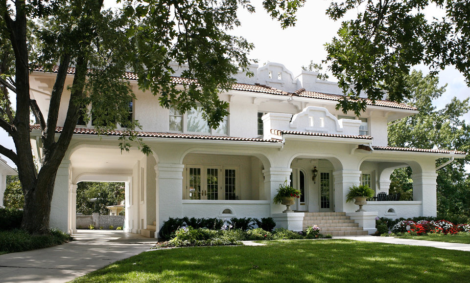 Home Owners In Heritage Hills Built Houses For Entertaining | News Ok