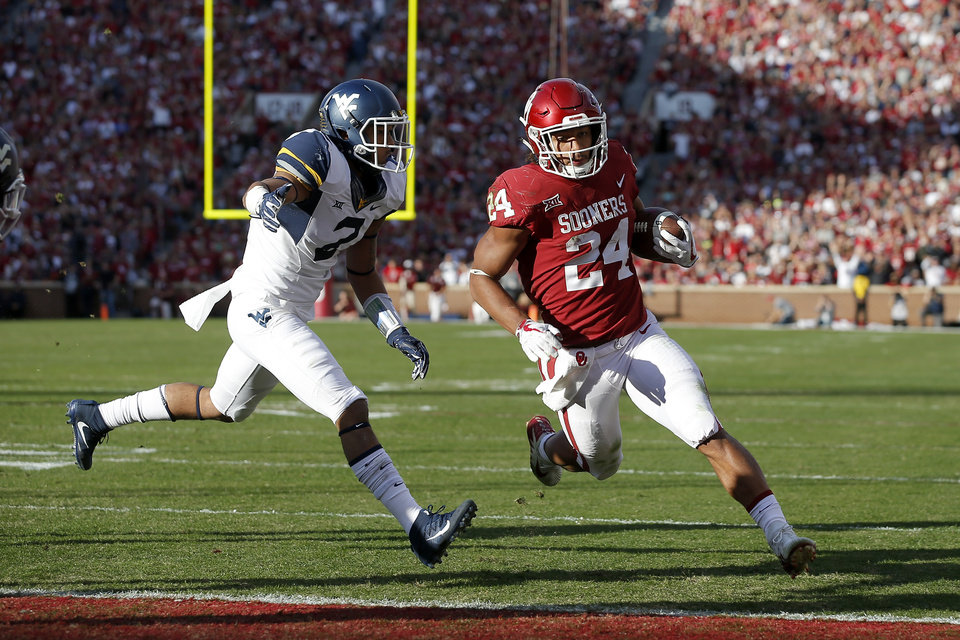 Photo -  OU running back Rodney Anderson will not faces any charges stemming from a rape accusation. [PHOTO BY BRYAN TERRY, THE OKLAHOMAN]