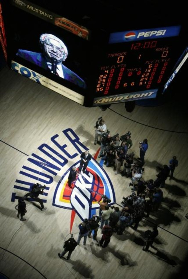 Photo -  NBA commisioner David Stern addresses fans before the Thunder's first regular-season home game on Oct. 29, 2008. [CHRIS LANDSBERGER/THE OKLAHOMAN]